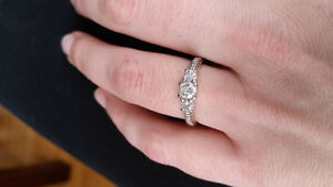 $2,700.00 Beautiful white gold engagement ring size 7