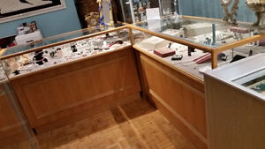 6 BEAUTIFUL OAK JEWELRY LED DISPLAY CABINETS - Price Reduced Stratford Kitchener Area image 4