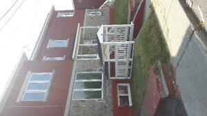 Quadruplex bien situé à Laval