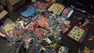 Lots de boite de jouets - Toy boxes - 150$ pour TOUT ... for ALL