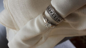 Stunning diamond engagement and wedding ring set size 7