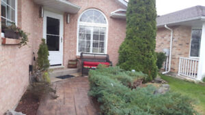 5 BEDROOM HOME FOR RENT IN NIAGARA FALLS - ORCHARD GROVE!