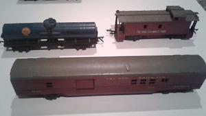 Tri Ang train cars  (5)