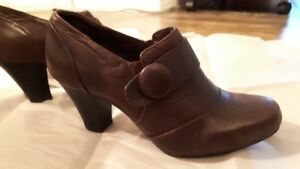Ladies Clark's shoes size 7M
