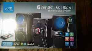 Colour changing mp3 Bluetooth stereo system