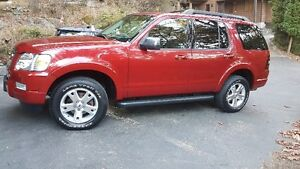2010 Ford Explorer XLT SUV, Crossover