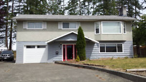 3br - 1100ft2 - Renovated top floor of house (Campbell River)