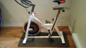 """Bicyclette """"spinning"""""""