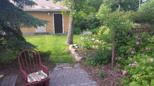 LRG BRDM for rent in Beautiful UofA area home, close to LRT.