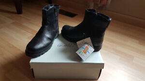 Brand new mens boots