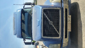 2004 volvo with 13 speed good  d12 engine