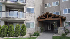 2 bed/2bth next to Costco, Move in ready 1084 sq ft