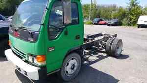 2001 Gmc w5500 cab and chassis