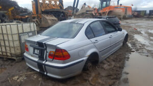 2002 BMW 330.... JUST IN FOR PARTS AT PIC N SAVE! WELLAND