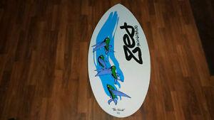 Zed skimboard flambant neuf - nouveau prix Saguenay Saguenay-Lac-Saint-Jean image 2