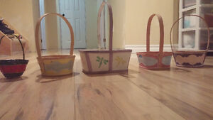 Easter/decorative baskets (5)