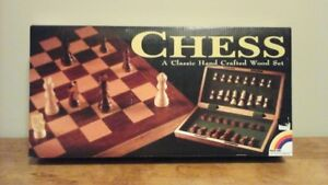 NEW HANDCRAFTED WOODEN CHESS SET