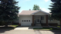 GORGEOUS DUPLEX BUNGALOW - PRICED TO SELL!!!!