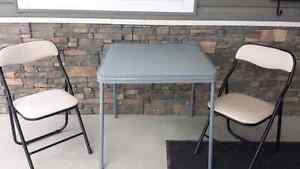 Card table & 2 Chairs