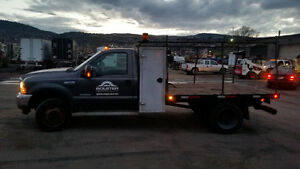 2003 Ford F-550 11 ft Flat deck w/ VMAC compressor