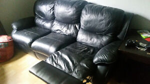 Leather couch & loveseat 100$/OBO
