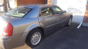 2006 Chrysler 300. Great condition $2500 or best offer