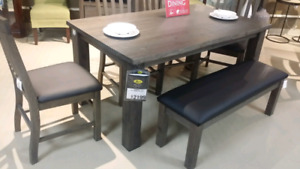Table and 6 chairs brand new never used