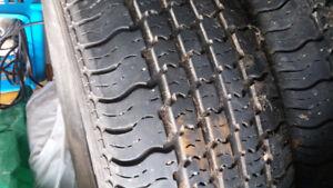 Plusieurs pneus de 14po @ 18 po