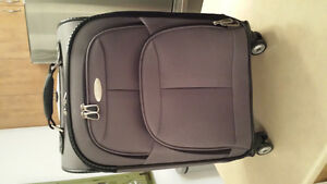 Samsonite luggage carry on brand new 4 wheels / valise 4 roues