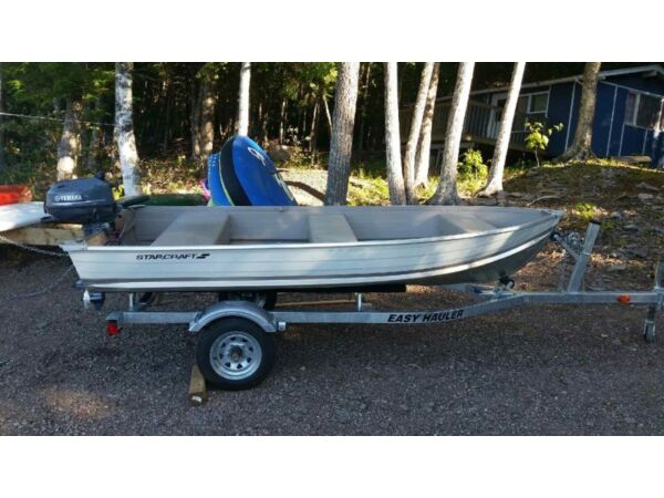 2015 Starcraft fishing boat