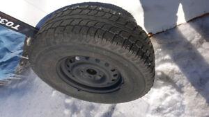 4 pneu d'hiver 265 75R 16 avec jantes (5x127)