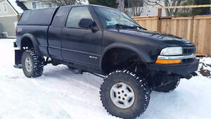 2002 S-10 ZR2 4x4 Lifted
