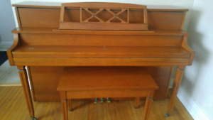 Willis & Co. Piano great condition includes bench