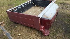 Square body chevy shortbox stepside (BOX)