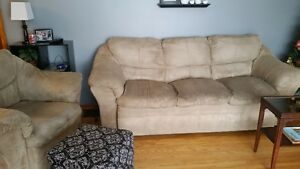 couch, loveseat and chair set NOW $500 for all 3, good condition Peterborough Peterborough Area image 4