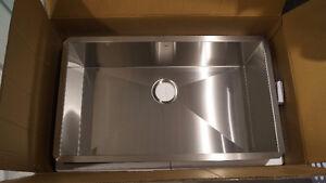 Evier de cuisine Kitchen sink --VALEUR DE 521$--