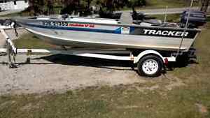 Tracker guide v14 20 hp evinrude and trailer