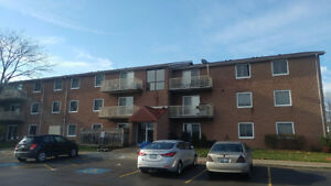 ONE BEDROOM CONDO IN EXCELLENT LOCATION CLOSE TO ALL AMENITIES!