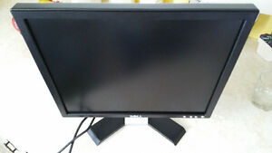 Dell 17 inch monitor like New!