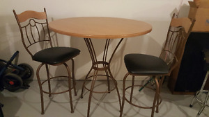 Bar Table with 2 Bar Stools and 2nd Table Top