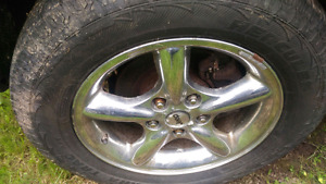 Set of 4 jeep grand cherokee rims with tires
