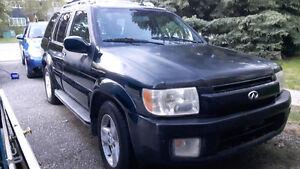 2003 Infiniti QX4 SUV, Crossover