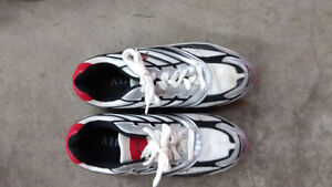 Air running shoes brand new