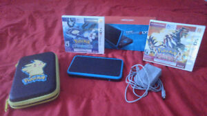 :new: NINTENDO 2DS XLwith charger case and 2 games
