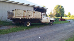 GMC 1 Ton Dump Truck for Motor and Transmission