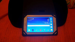 Samsung Galaxy Tab 3 Lite (includes charger & case)