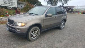 2005 BMW X5 SUV,  Automatic   $3,500   Great in the snow!
