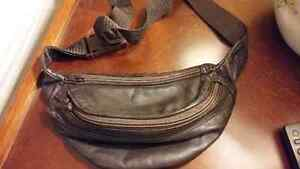 CHOCOLATE BROWN LEATHER FANNY PACK Cambridge Kitchener Area image 1