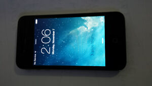 IPhone 4 / Bell / 16 GB/  $90 only St. John's Newfoundland image 3