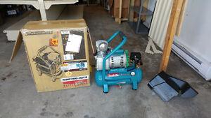 Makita MAC700 Big Bore 2.0 HP Air Compressor / Compresseur